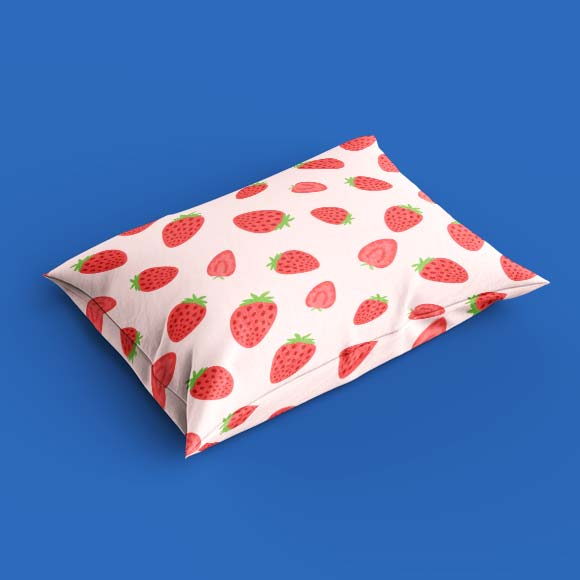 Strawberry slices print pillow cover